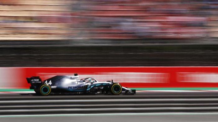 Pebalap Mercedes Lewis Hamilton memenangi F1 GP Spanyol. (Foto: Juan Medina / Reuters)