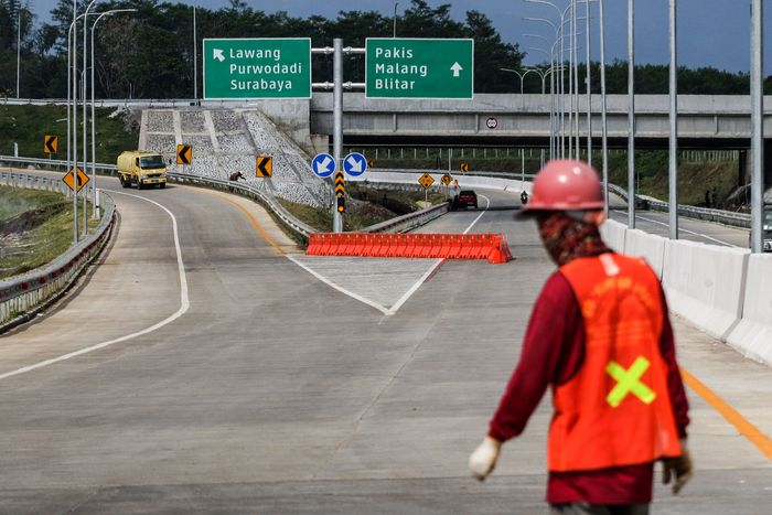 Ruas Tol Pandaan-Malang akan diresmikan Presiden Jokowi, Senin (13/5). Dengan diresmikan ruas Tol Pandaan-Malang, diharapkan akan memperlancar arus mudik lebaran 2019 di Jawa Timur.