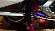 Wanita Naik Motor Pakai High Heel, Tewas Dalam Kecelakaan