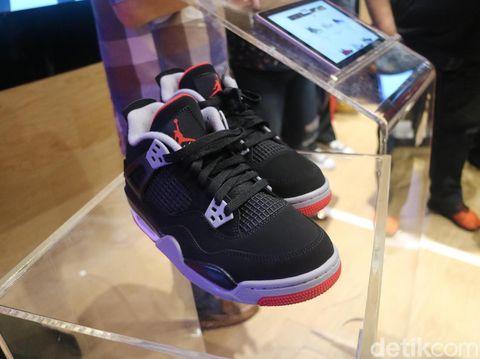 Sneakers Nike Air Jordan 4 OG 'Bred' Hadir di Indonesia, Ini Istimewanya