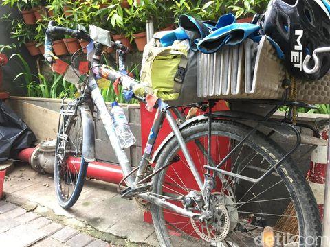 Sepeda rakitan yang dipakai Emil untuk menjelajah Eropa dan Asia.