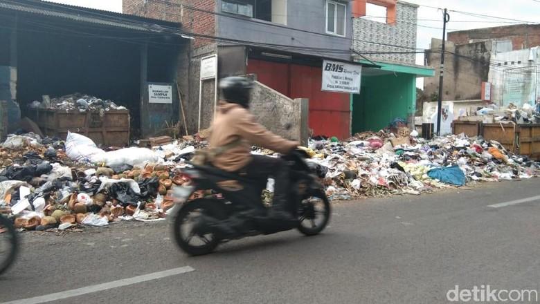 Pemkab Garut Siapkan Rp 10 Juta untuk Desa Urus Sampah