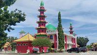 Masjid Cheng Ho yang berarsitektur unik.