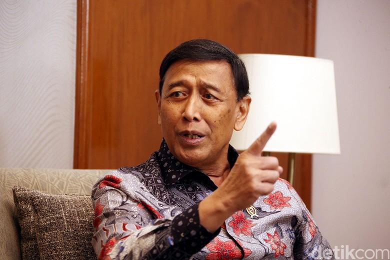 Blokir Kirim Gambar di WA-Medsos, Wiranto: Ini Upaya Amankan Negeri