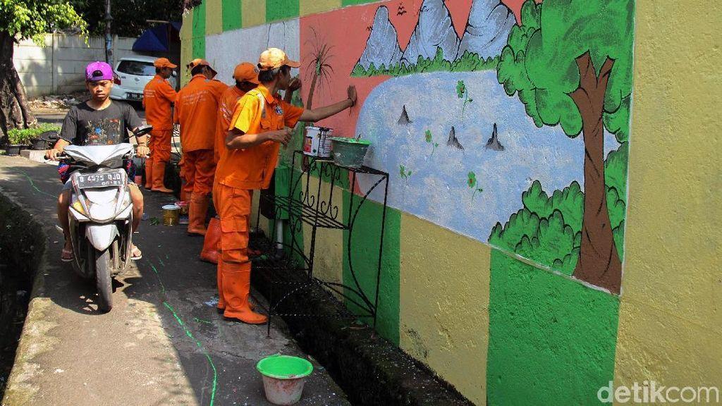 Mural di Tambora Bikin Kawasan Padat Ini Jadi Hijau dan Cantik