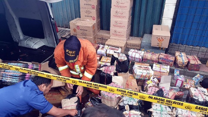 Ledakan petasan di Sukabumi. Foto: Syahdan Alamsyah