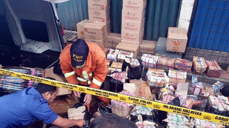 Bos Toko Petasan Jadi Tersangka Kasus Ledakan di Sukabumi