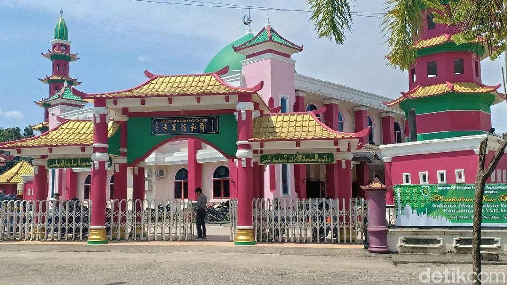 Terpesona Keunikan Masjid Cheng Ho di Palembang