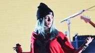 Billie Eilish Minta Fans Berhenti Pegang Payudaranya