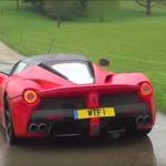 Ferrari Digeber di Jalanan Becek dan Ngedrift di Rumput