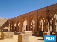 Selama periode panjang masjid ini pun terabaikan. Namun pada tahun 1990an, akhirnya Masjid Tin Mal mengalami renovasi.