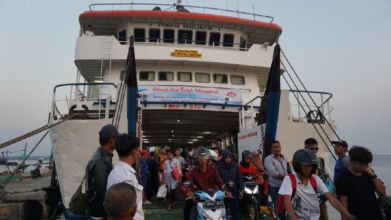 Harga Tiket Kapal Penyeberangan Jepara Karimunawa Naik Mulai