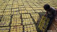 Produksi Kerupuk Meningkat Selama Ramadhan