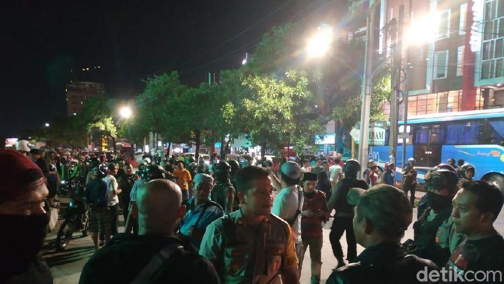 Ribut-ribut Ojol di Makassar, Polisi Amankan Tukang Parkir