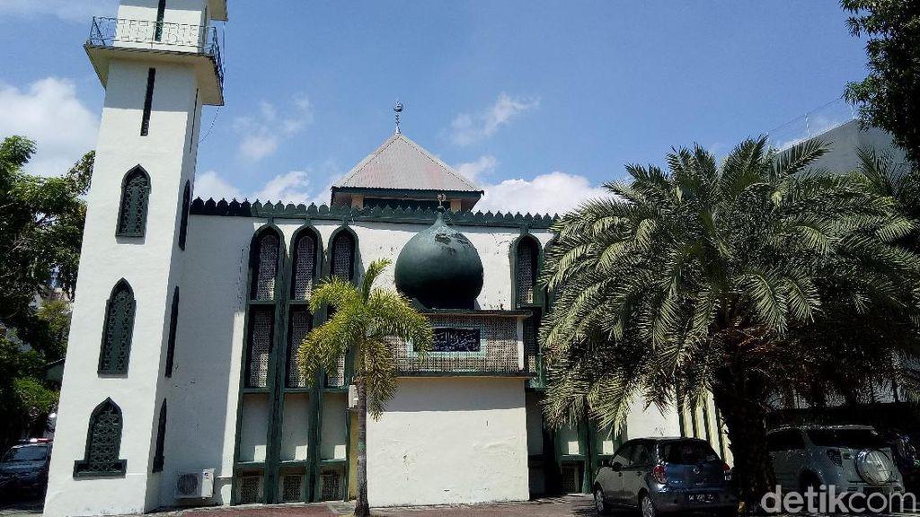 Masjid Arab di Makassar yang Berdiri di Kawasan Pecinan