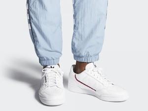 5 Sneakers Putih Terpopuler di 2019 yang Cocok Dipakai Saat Lebaran
