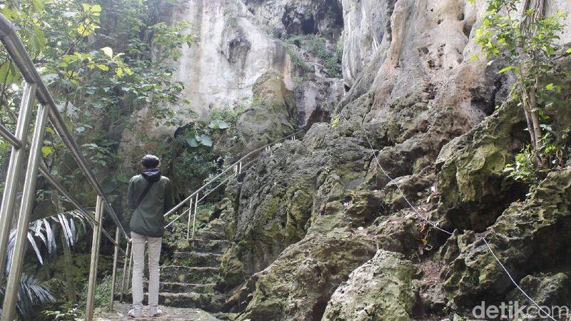 Gua Pawon di merupakan salah satu destinasi wisata yang cukup terkenal di Kabupaten Bandung Barat (KBB) (Yudha Maulana/detikcom)