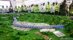 Tinjau Terowongan Kereta Cepat, Menteri Rini Semringah Banget