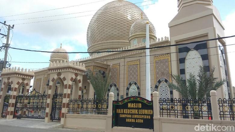 Masjid Keuchik Leumiek di Banda aceh (Agus Setyadi/detikcom)