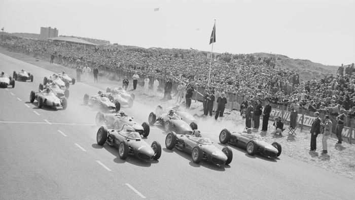 GP Belanda tahun 1961 di sirkuit Zandvoort. (Foto: Michael Hardy/Daily Express/Hulton Archive/Getty Images)