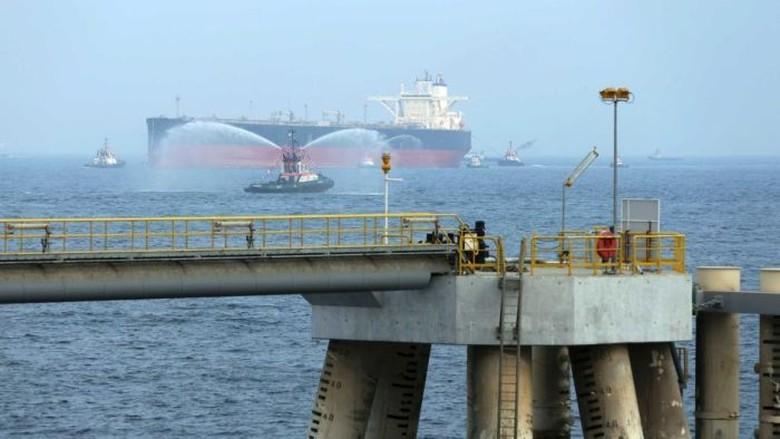 Dua Kapal Tanker Saudi Diserang, Ekonomi Global Disebut Bisa Terganggu