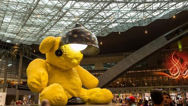 The Lamp Bear, ikon bandara Qatar
