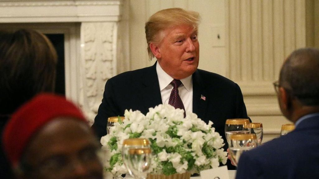 Sebut Ramadhan Waktu yang Spesial, Trump Gelar Buka Puasa Bersama