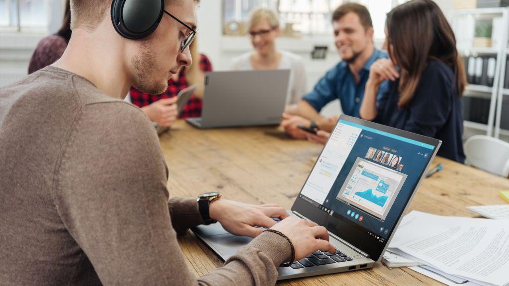 Lenovo Bikin Lini laptop Baru, Namanya ThinkBook