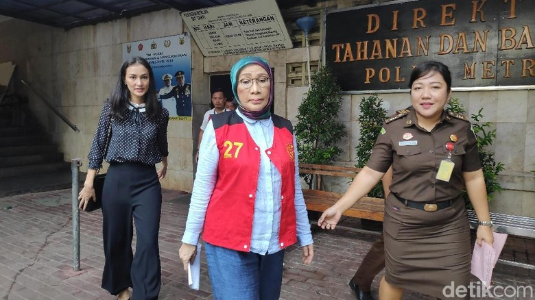 Jalani Sidang Pemeriksaan Terdakwa, Ratna Sarumpaet Minta Maaf Tak Puasa