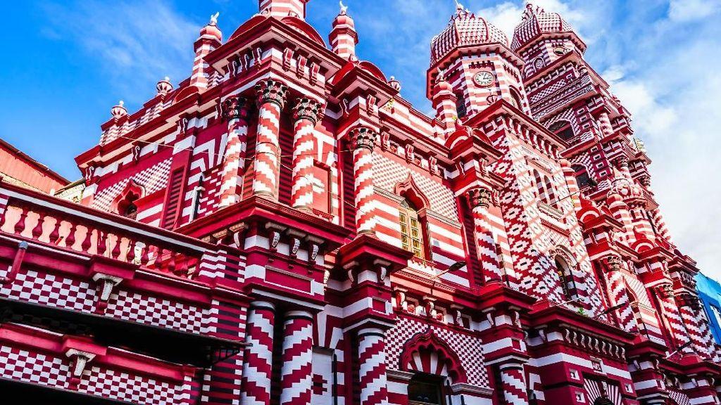 Masjid Cantik Sri Lanka Yang Mirip Kue Lapis