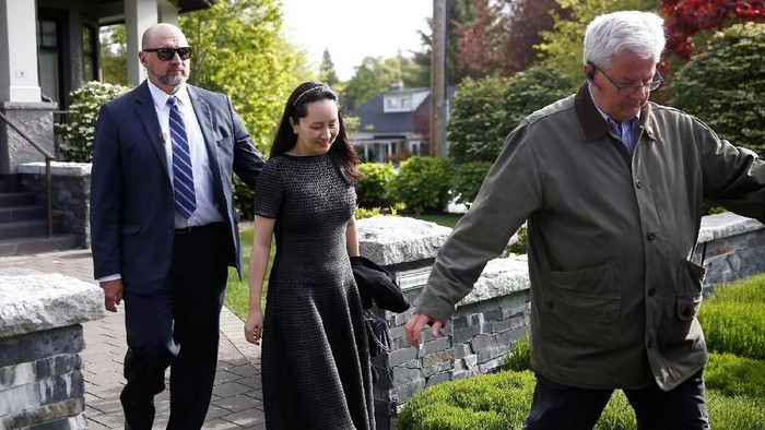 Meng Wanzhou saat mau ke pengadilan. Foto: Reuters