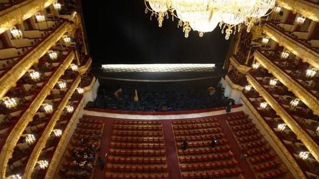 Melihat Salah Satu Gedung Opera Terbesar di Dunia