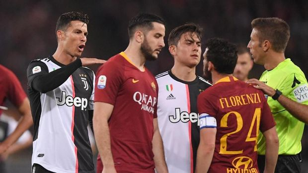 Cristiano Ronaldo menyebut Alessandro Florenzi pendek. (