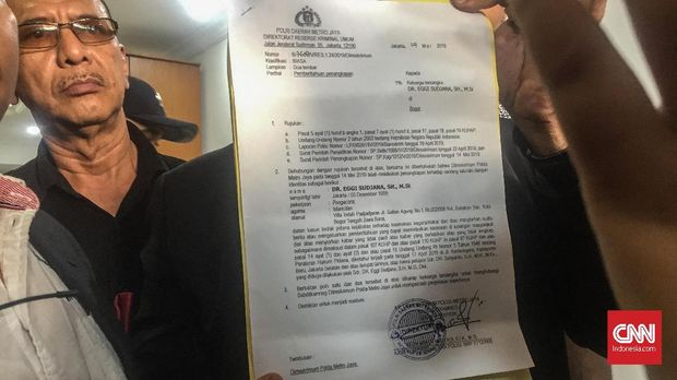 Surat pemberitahuan penangkapan terhadap Eggi Sudjana.