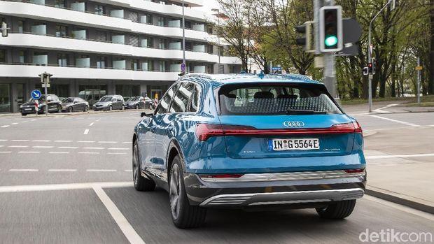 Mobil Jerman Bisa 'Baca' Lampu Lalin