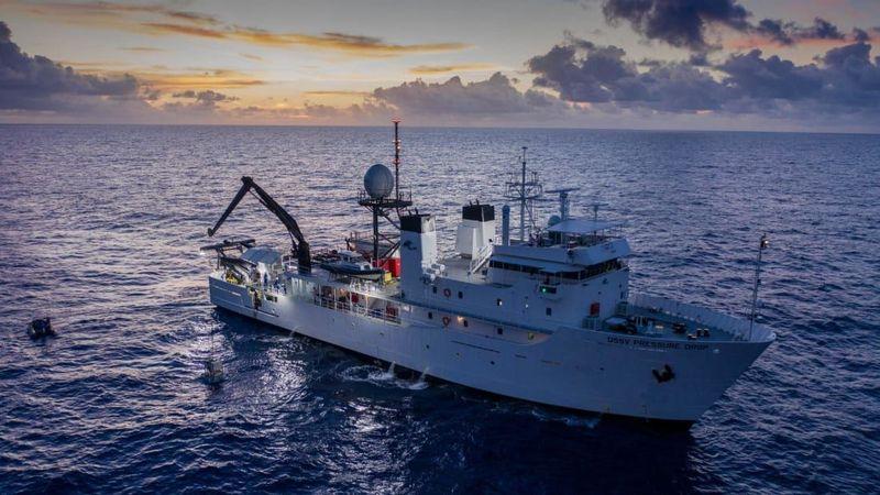 Dalam ekspedisi ini, Vescovo menjadi bagian dari Ekspedisi Five Deeps. Ekspedisi Five Deeps adalah perjalanan dokumenter ke bagian terdalam bumi. (Five Deeps Expedition)