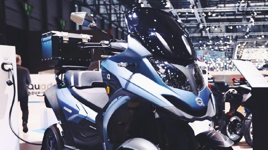 Motor Roda Empat Pertama Bertenaga Listrik