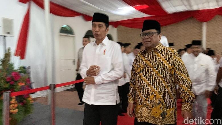 Jokowi Buka Puasa Bersama di Rumah OSO