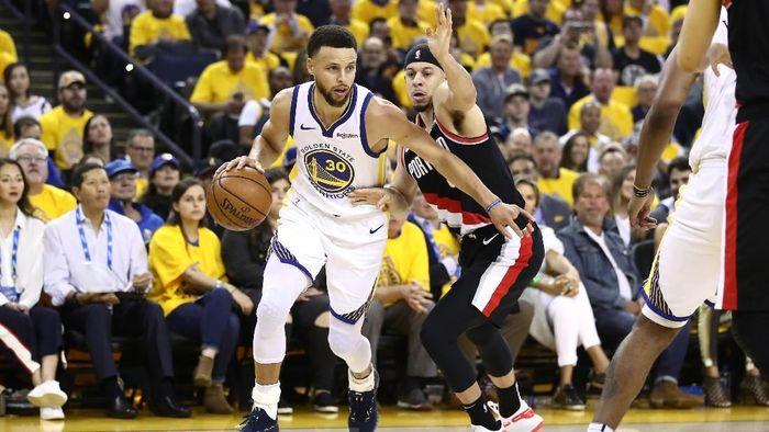 Golden State Warriors mengalahkan Portland Trail Blazers di game 1 final Wilayah Barat (Foto: Ezra Shaw/Getty Images)