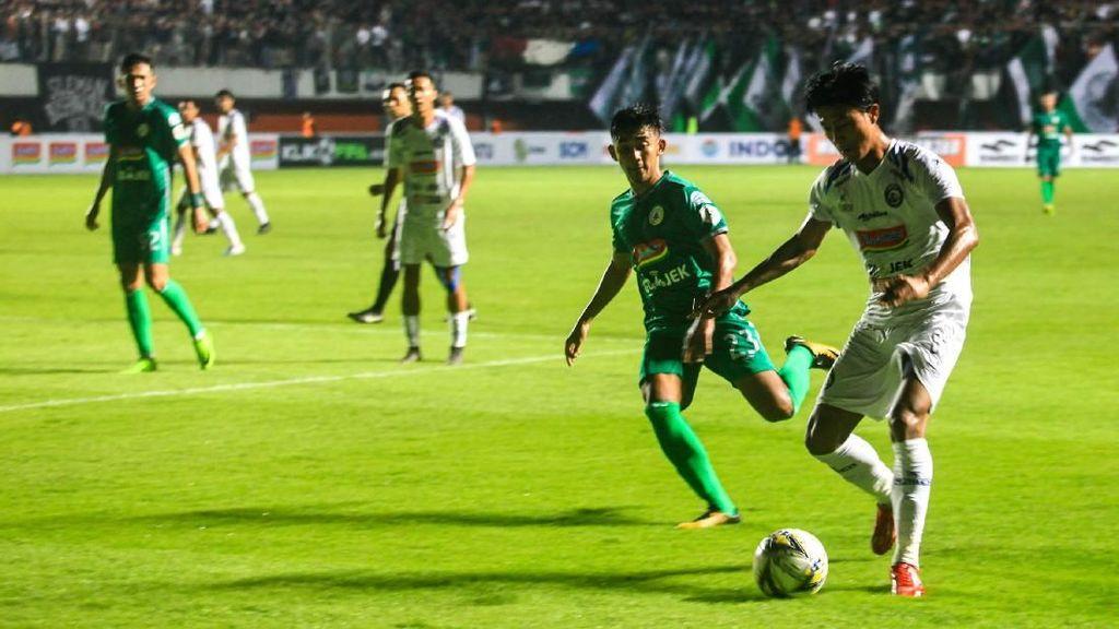 Buntut Ricuh Suporter, PSS dan Arema FC Dijatuhi Denda