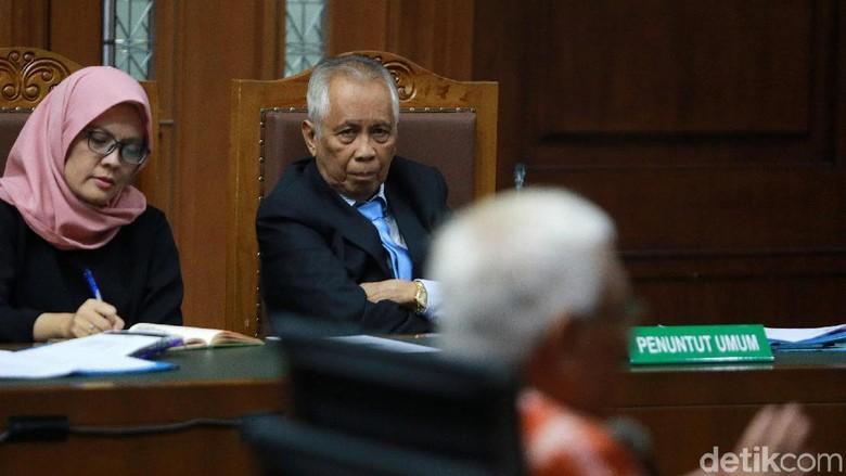OC Kaligis Izin Sehari dari Sukamiskin Demi Gugat Kasus Walet Novel