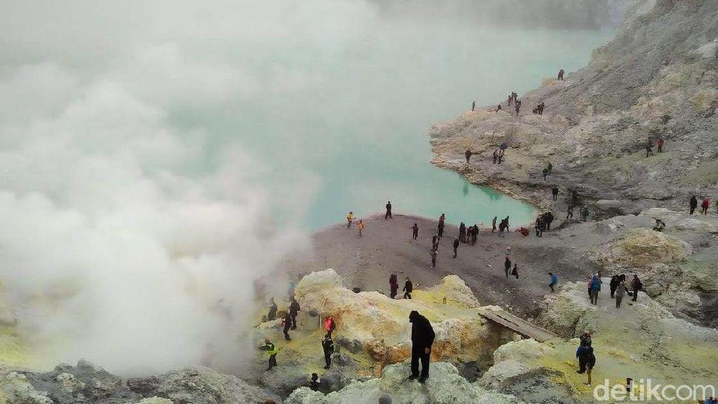 Ijen Keluarkan Gas Beracun, Wisatawan Diminta Waspada