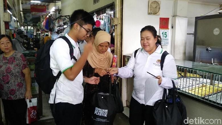 Sidak sampah oleh KLHK di Pasar Benhil Jakarta (Randy/detikcom)