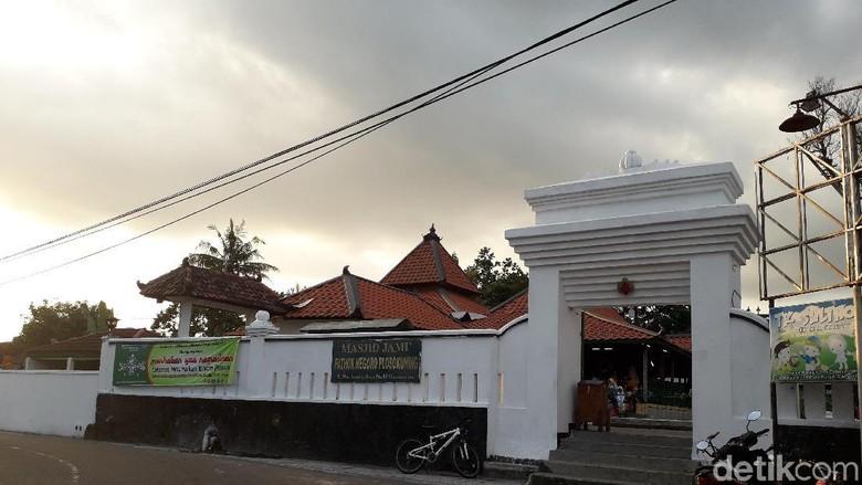 Sejarah Panjang Masjid Pathok Negoro, Benteng Pertahanan Sultan HB I