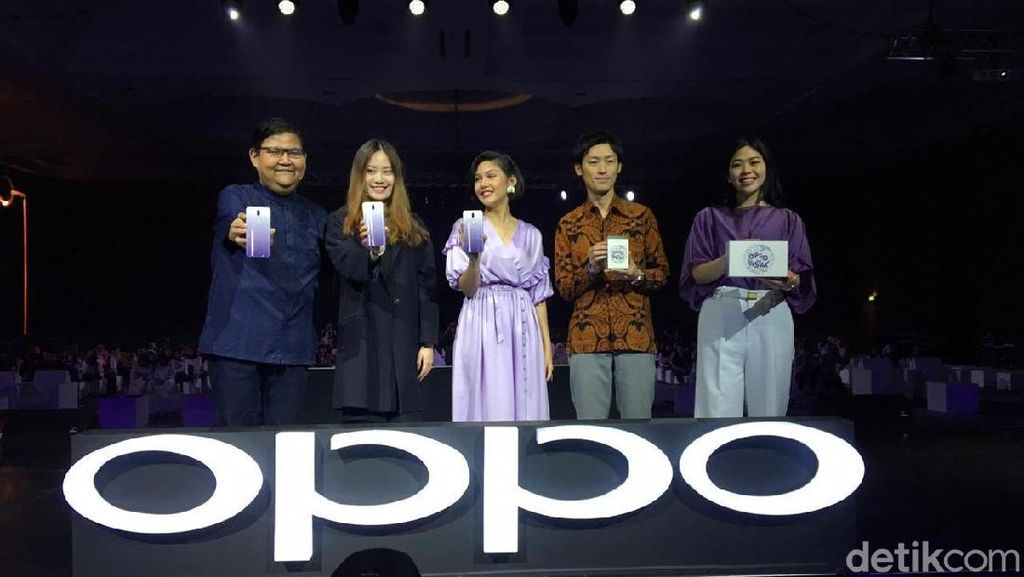 Baru Diluncurkan, Oppo F11 Jewelry White Sudah Ludes Dipesan