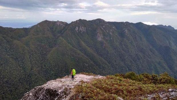 Gunung di Pulau Seram