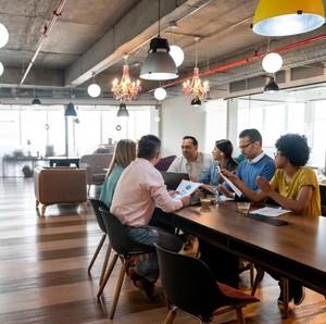 10 Perusahaan di Indonesia dengan Gaji Tertinggi untuk Management Trainee