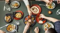 Restoran Ini Tawarkan Makanan Gratis Jika Pengunjung Bawa Meja Sendiri