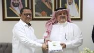 Kedubes Saudi Beri 100 Ton Kurma, Kemensos Siap Bagi-bagi ke Panti