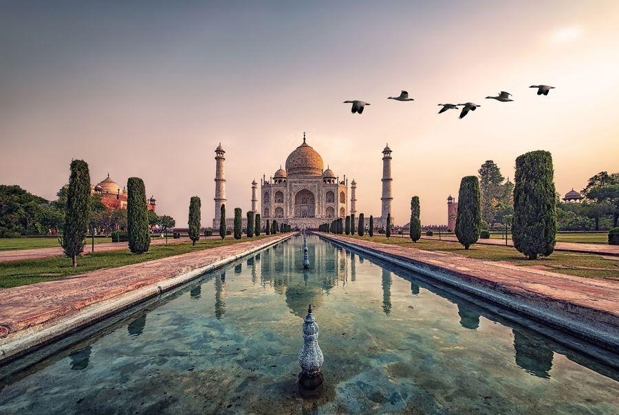 Keindahan Taj Mahal sudah tersohor dan begitu populer. Makam dari istri Shah Jehan ini dibuat dengan sangat cantik dan luar biasa indah. (iStock)